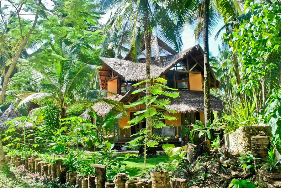 http://www.emeraldhousevillage.com/galeries/logement_grande_maison/image-1.jpg